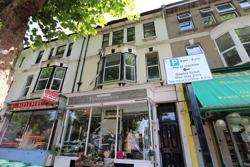 3 Bedrooms Maisonette Flat for rent in Beaconsfield Road
