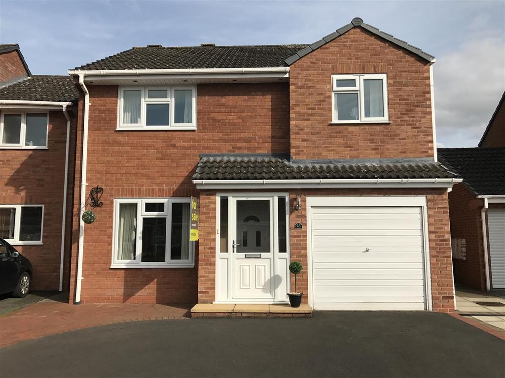 4 Bedrooms Detached House for sale in Barleyfields, Wem, Shropshire