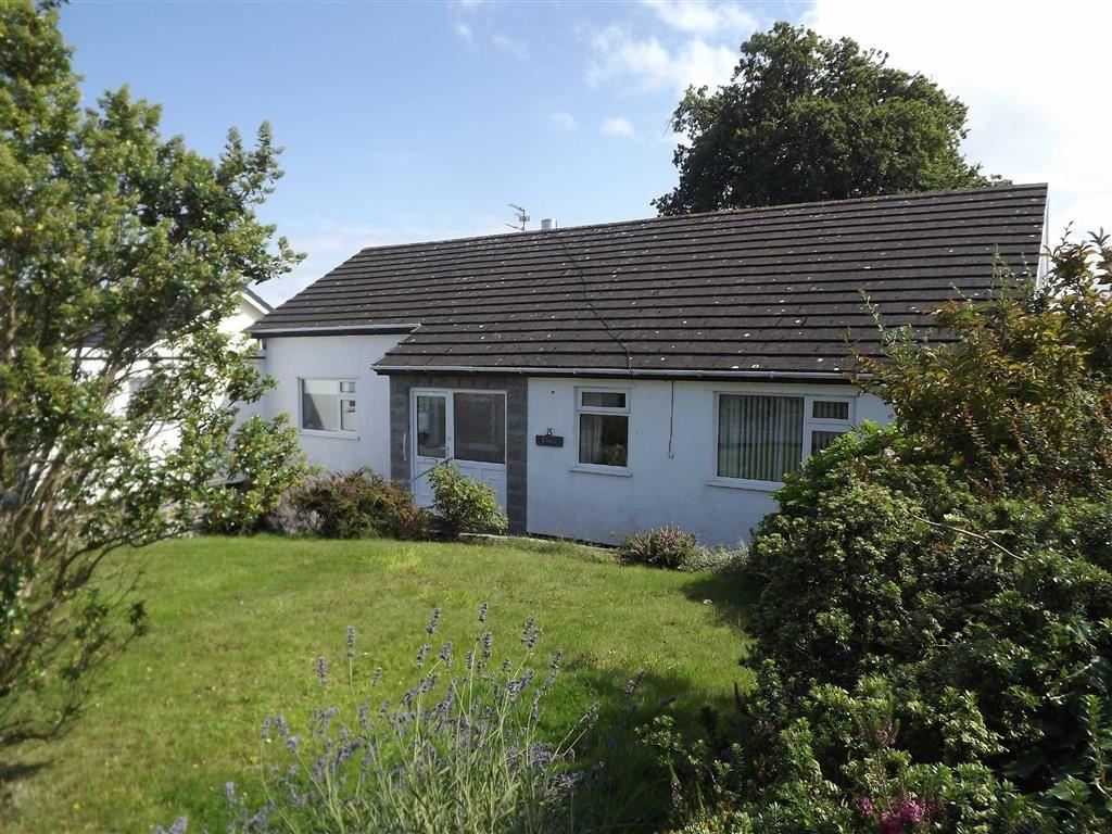 4 Bedrooms Detached Bungalow for sale in Garth Wen, Llanfaes, Anglesey