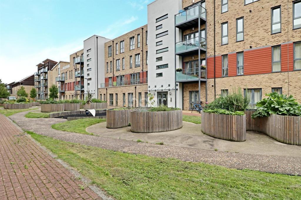 2 Bedrooms Flat for sale in Pepys Court, Cambridge