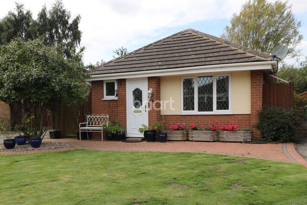 2 Bedrooms Bungalow for sale in Orchid Close, Balderton