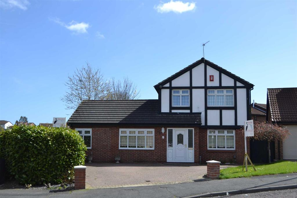 4 Bedrooms Detached House for sale in Ski View, Silksworth, Sunderland