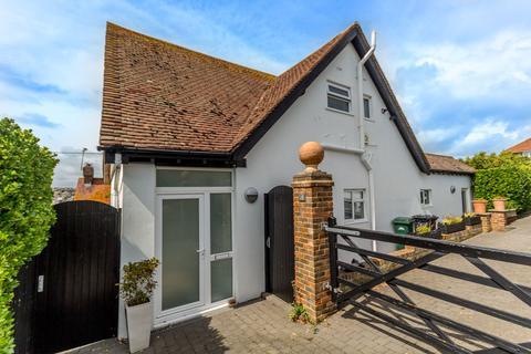 3 bedroom detached house for sale - Oaklands Avenue, Saltdean, Brighton BN2
