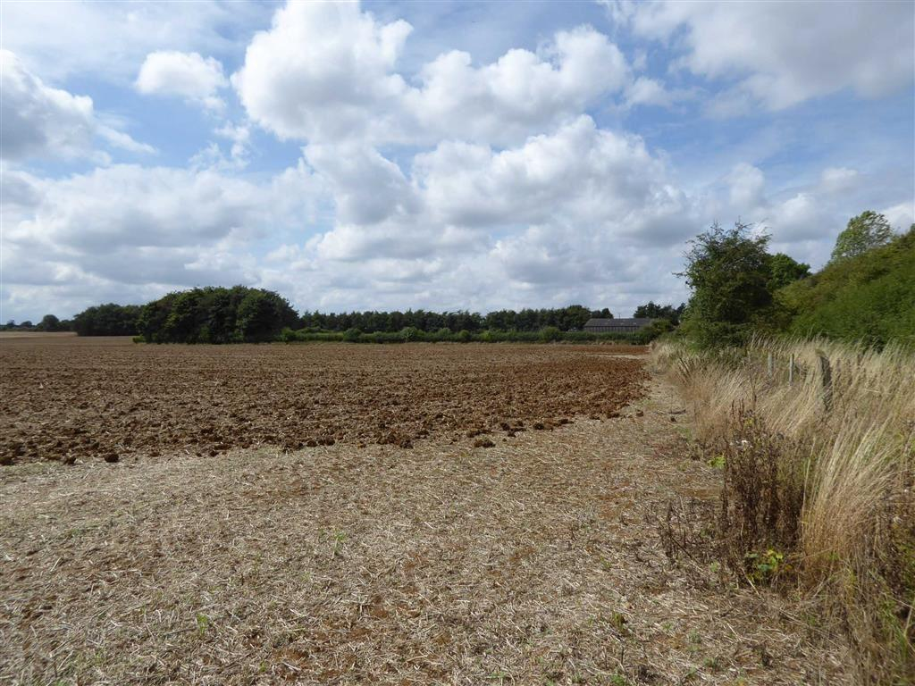 Land Commercial for sale in Balscote