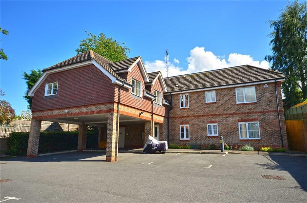 2 Bedrooms Apartment Flat for sale in Juniper Court, Chorleywood, Hertfordshire