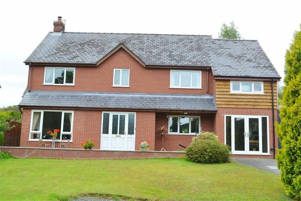 3 Bedrooms Detached House for sale in 1, Glanynant, Newtown, Newtown, Powys, SY16