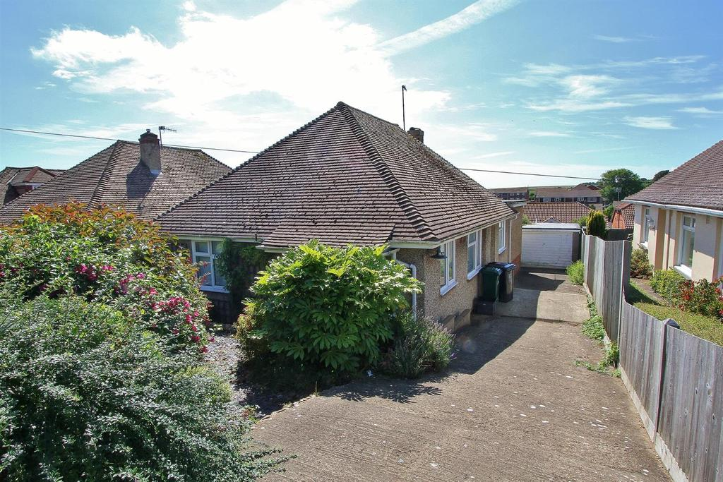 3 Bedrooms Detached Bungalow for sale in Woodingdean