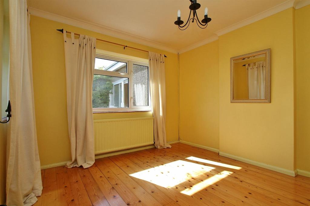 3 Bedrooms Detached Bungalow for sale in Downs Valley Road