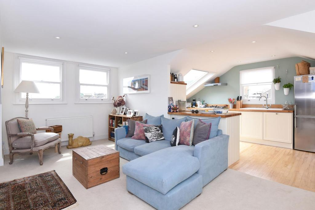 2 Bedrooms Flat for sale in Bickerton Road, Archway
