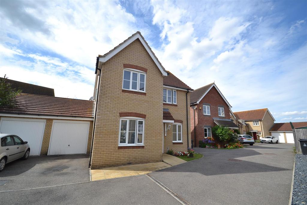 4 Bedrooms House for sale in Medley Way, St. Lawrence, Southminster