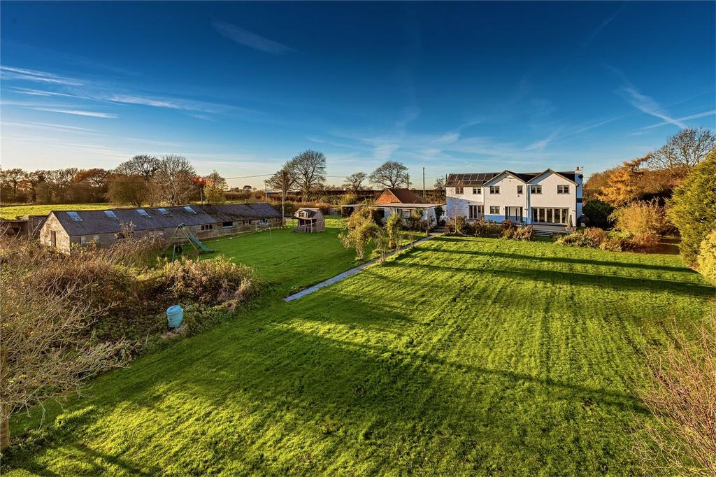 5 Bedrooms Detached House for sale in Heybridge Farm, Warton, Newport, Shropshire