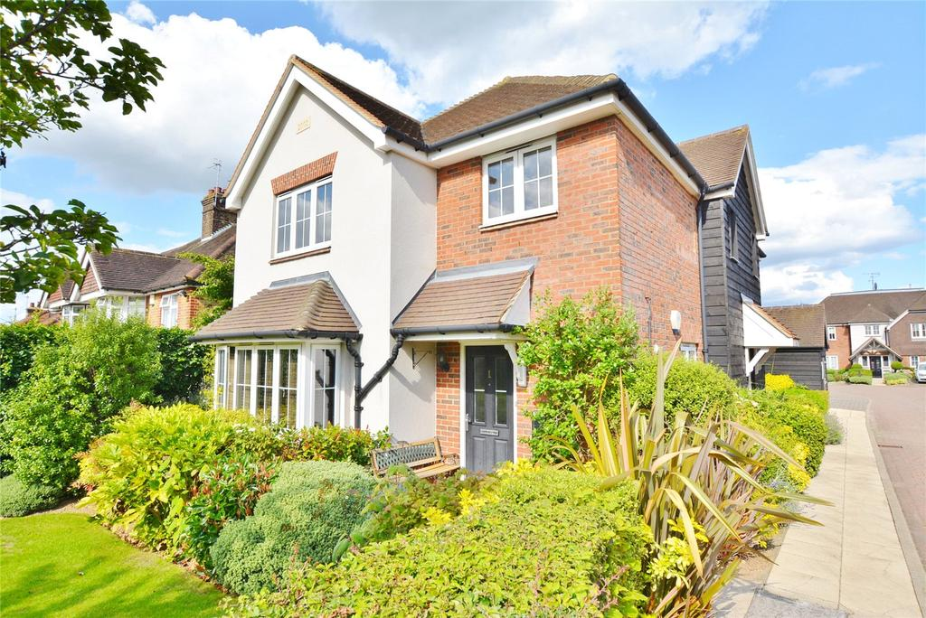 2 Bedrooms Maisonette Flat for sale in Prospect Close, Bushey, Hertfordshire, WD23