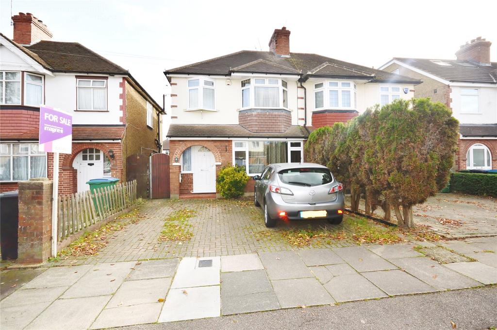 3 Bedrooms Semi Detached House for sale in Kingswood Road, Garston, Hertfordshire, WD25