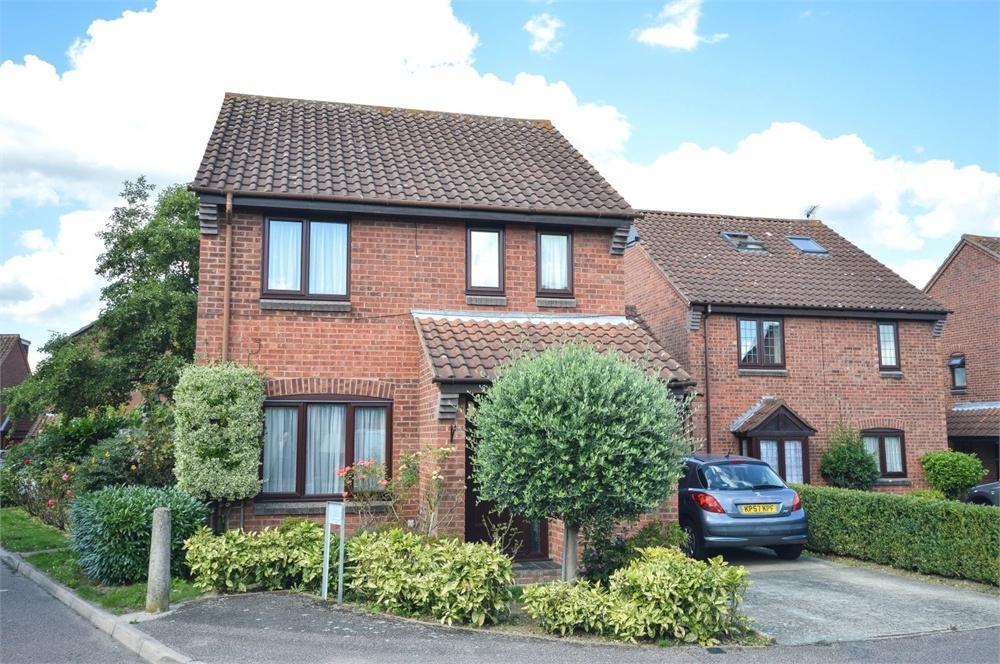 3 Bedrooms Detached House for sale in Winchester Close, BISHOP'S STORTFORD, Hertfordshire