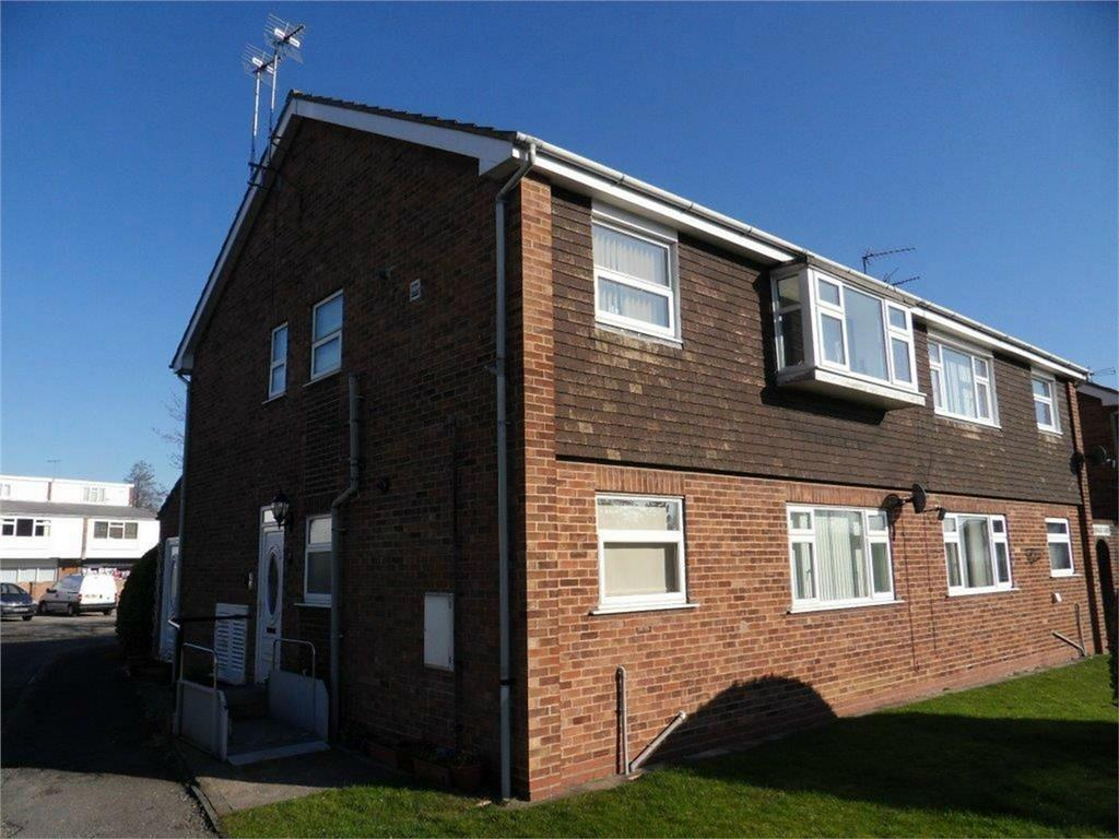 2 Bedrooms Flat for sale in Greendale Court, Cottingham, East Riding of Yorkshire