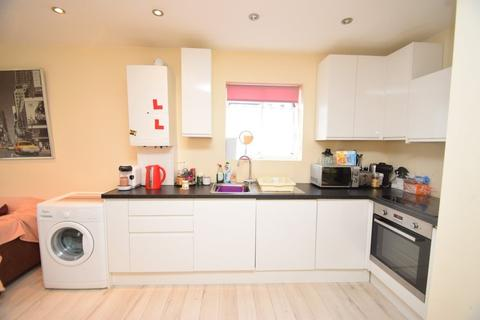 1 bedroom apartment to rent - Falkland Avenue, Finchley Central, London, N3
