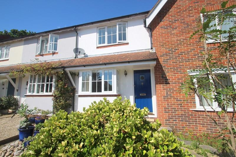 2 Bedrooms Terraced House for sale in The Bartletts, Hamble, Southampton