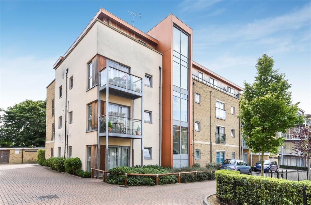 1 Bedroom Flat for sale in Ironside Court, 8 Southcott Road, Teddington, Greater London