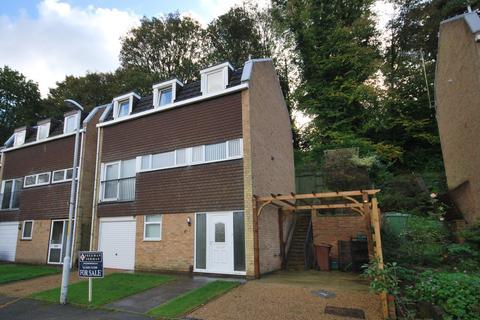 4 bedroom townhouse to rent - Surrey Close, Tunbridge Wells