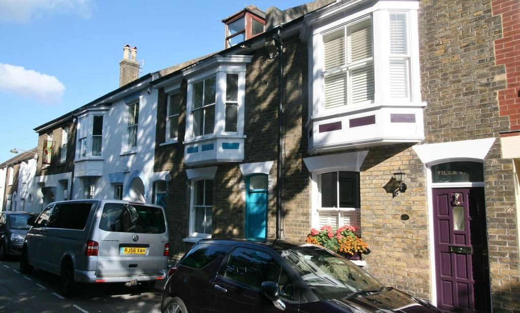 4 Bedrooms Terraced House for sale in St George's Road, Deal