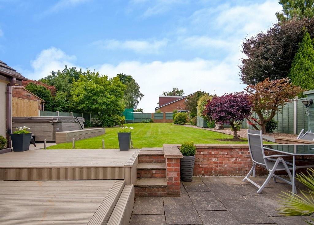 4 Bedrooms Detached Bungalow for sale in Morthen Road, Wickersley