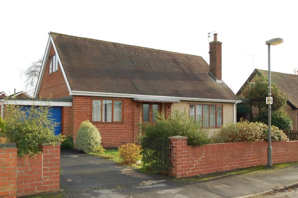 4 Bedrooms Detached Bungalow for sale in Park Close, Westwoodside