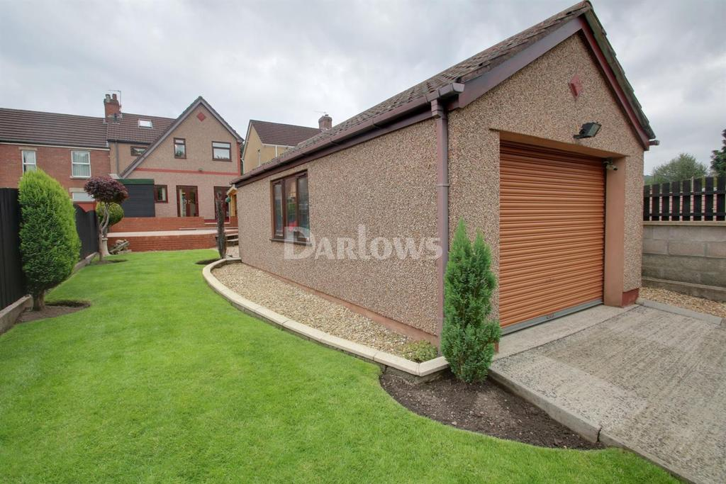 4 Bedrooms Semi Detached House for sale in Fountain Road, Pontymoile