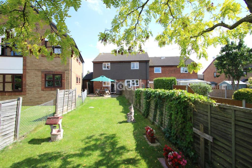 2 Bedrooms End Of Terrace House for sale in Inkerpole Place, Chelmsford
