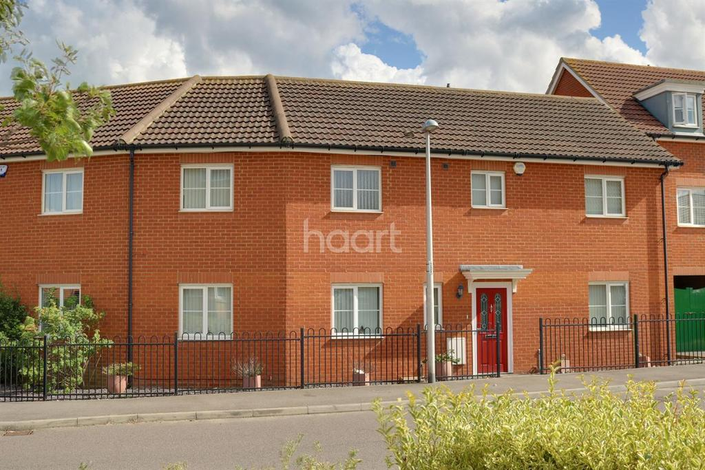 4 Bedrooms Semi Detached House for sale in The Chimes, Hoo, ME3