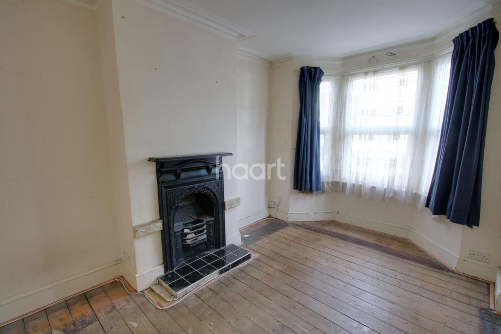 3 Bedrooms Terraced House for sale in Longfellow Road, Gillingham, ME7