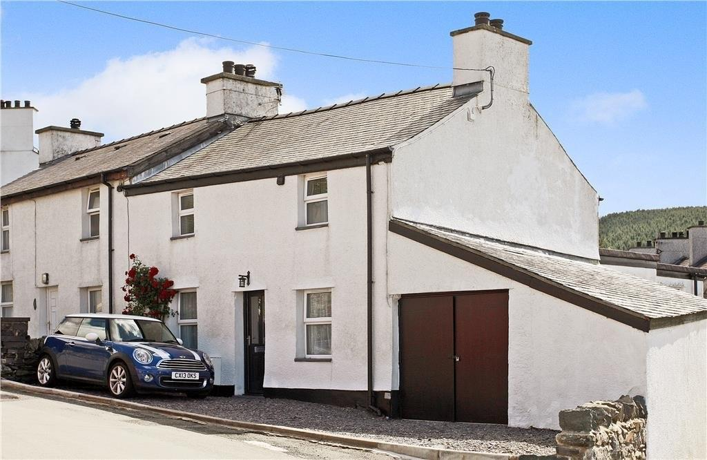 3 Bedrooms Semi Detached House for sale in Gerlan Terrace, Bethesda, North Wales