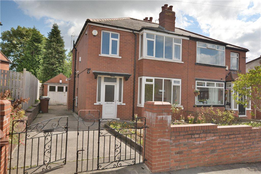 3 Bedrooms Semi Detached House for sale in Hetton Road, Oakwood, Leeds