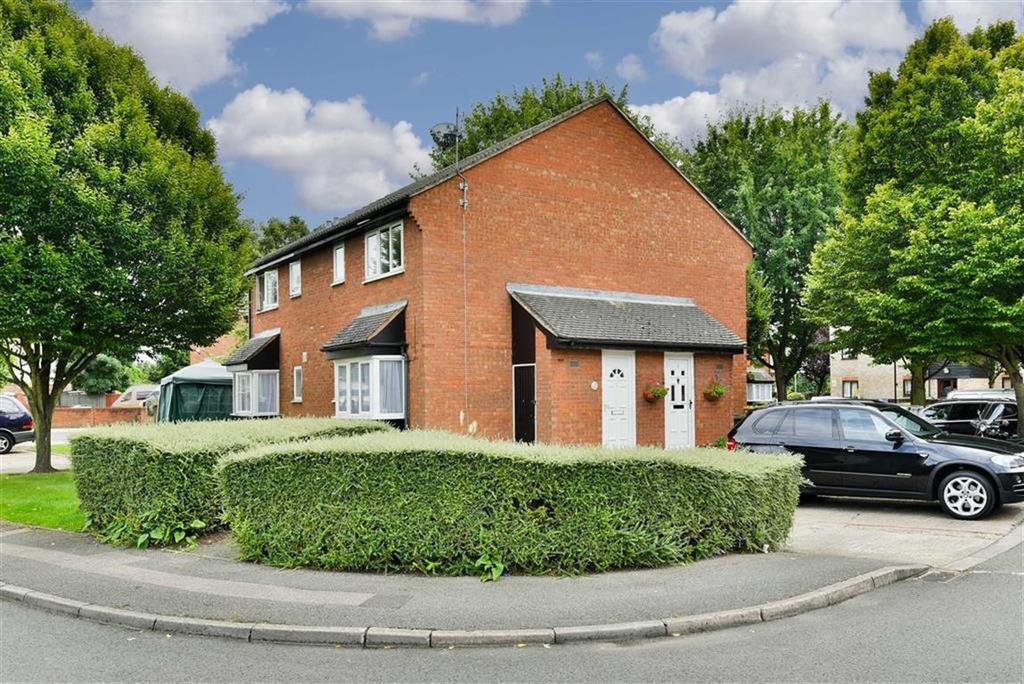 1 Bedroom End Of Terrace House for sale in Firs Close, Mitcham, Surrey