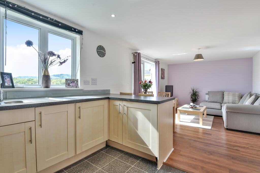 2 Bedrooms Apartment Flat for sale in Alisander Close, Snodland