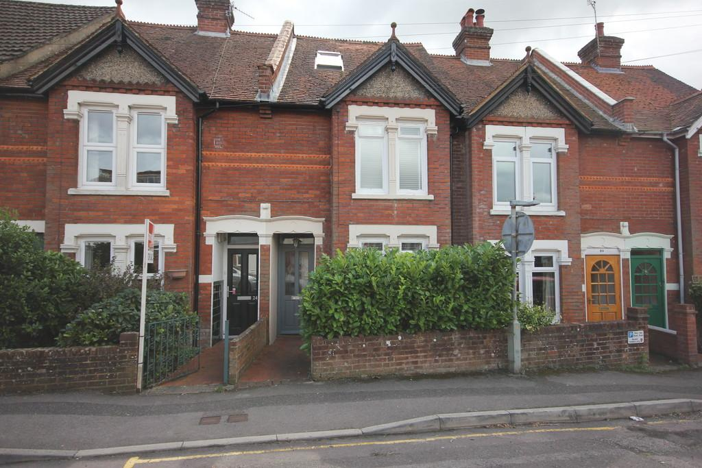 3 Bedrooms Terraced House for sale in BELLE VUE ROAD, SALISBURY, WILTSHIRE, SP1 3YG