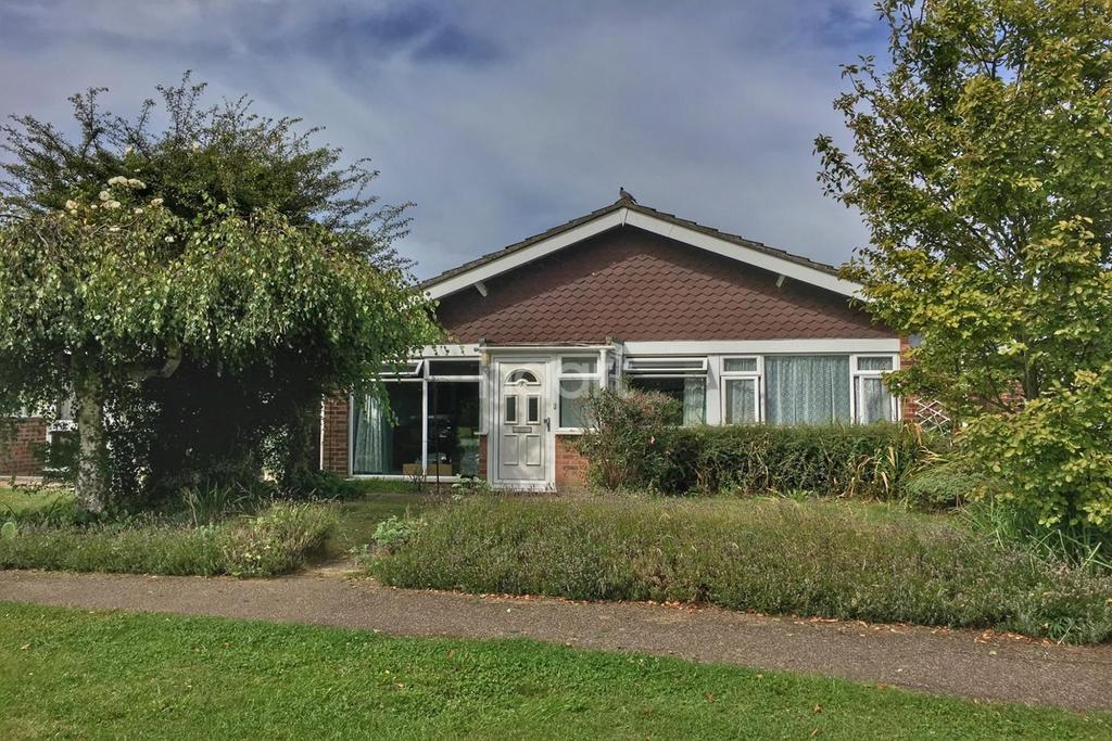 2 Bedrooms Bungalow for sale in Broom Knoll, East Bergholt, Essex