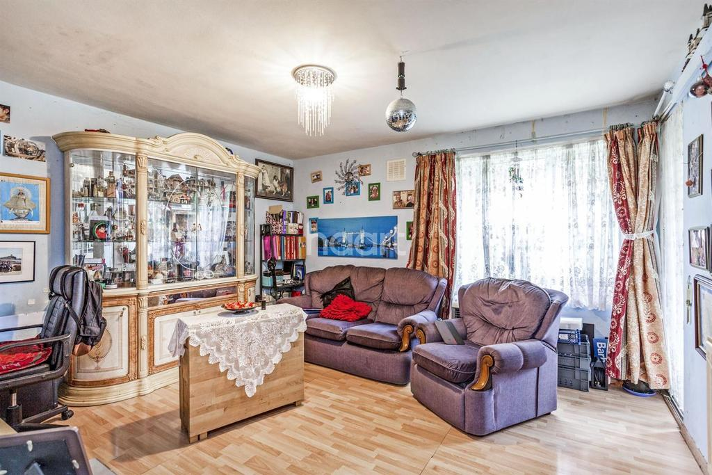 2 Bedrooms Flat for sale in Maple Court, Leigham Court Road, SW16