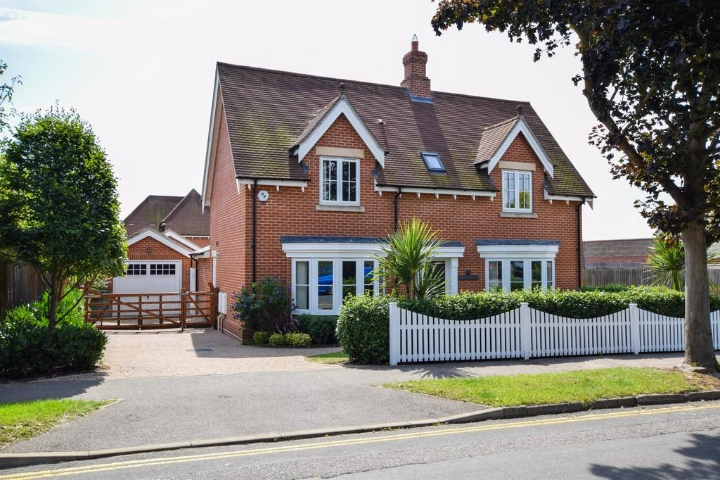 4 Bedrooms Detached House for sale in West Mersea