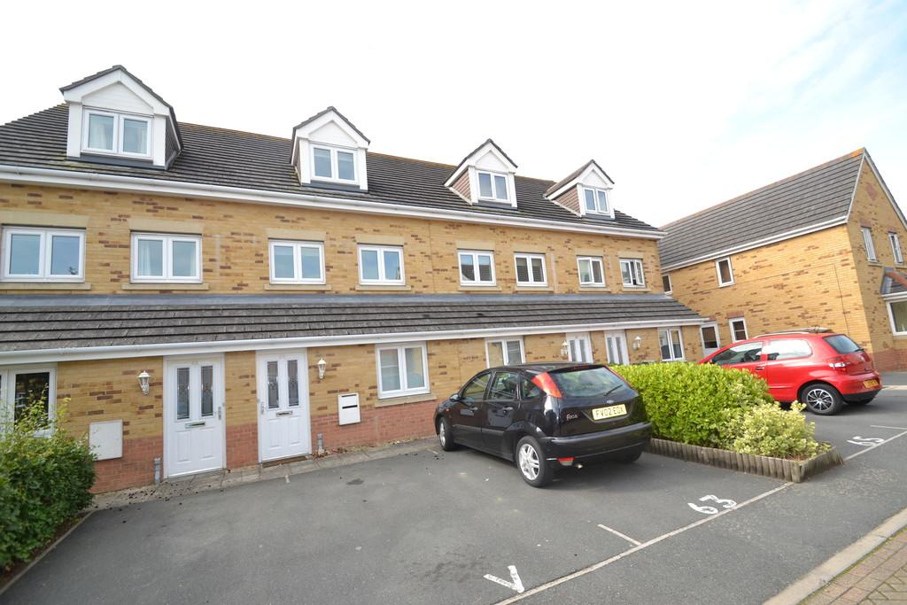 2 Bedrooms Maisonette Flat for sale in Amherst Place, Ryde