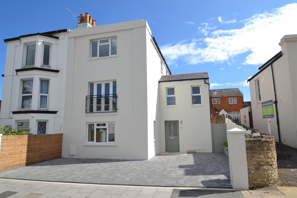 4 Bedrooms Town House for sale in John Street, Ryde