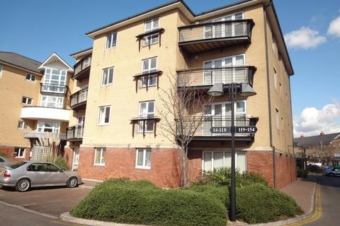 2 bedroom apartment for sale - Adventurers Quay, Cardiff Bay, Cardiff