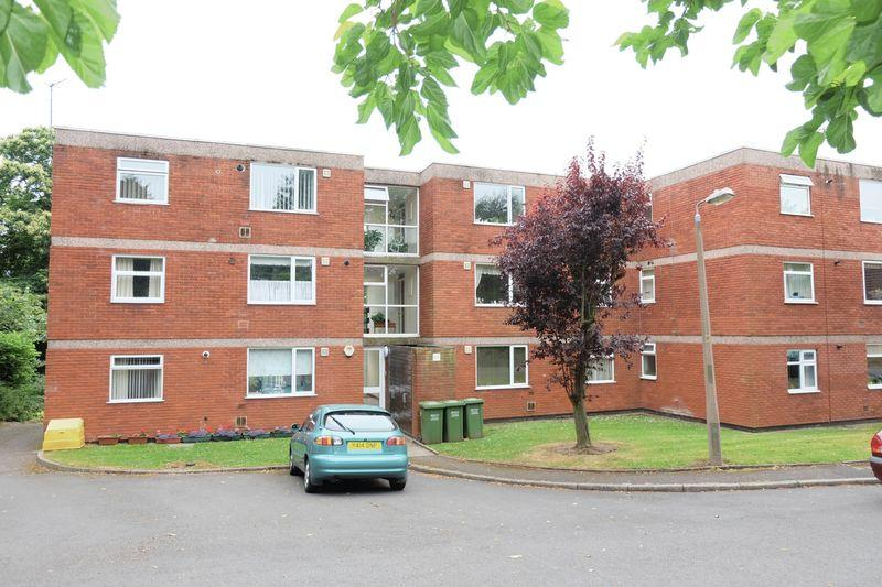 2 Bedrooms Ground Flat for sale in Church Avenue, Stourport-On-Severn DY13 9DB