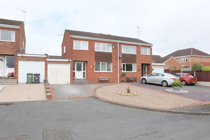 3 Bedrooms Semi Detached House for sale in Marlborough Drive, Stourport-On-Severn DY13 0JH