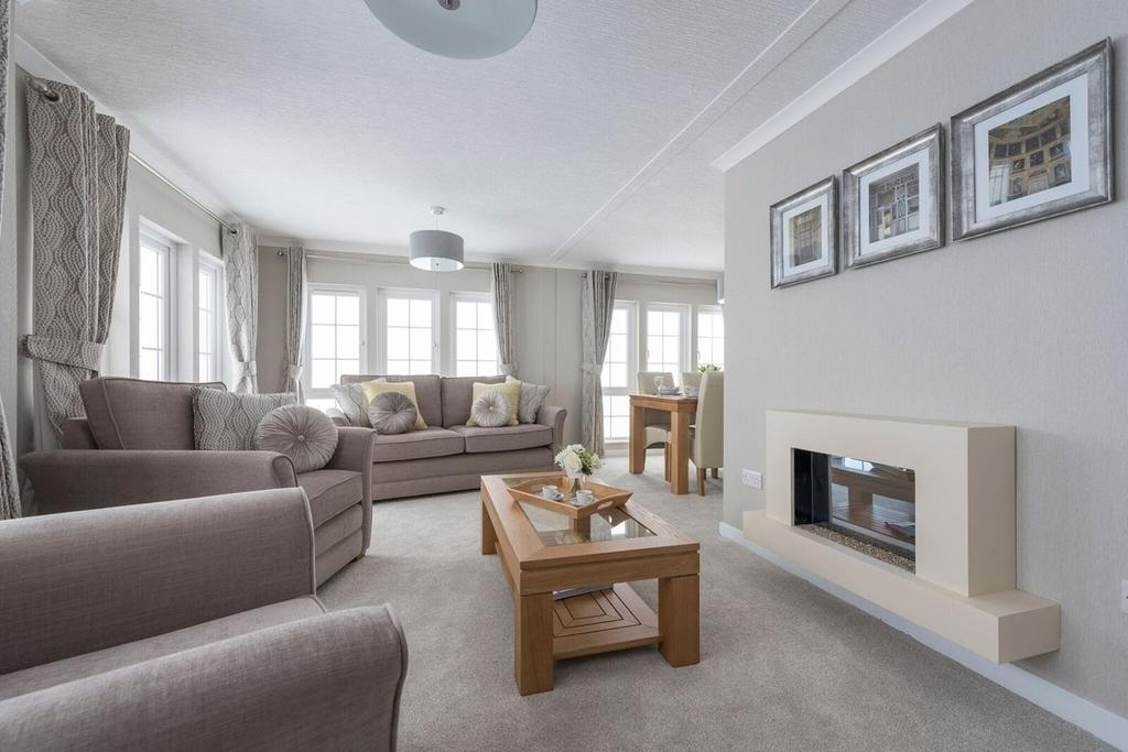 2 Bedrooms Detached Bungalow for sale in Sandy Bay , Thorney Bay Road, Canvey Island, SS8