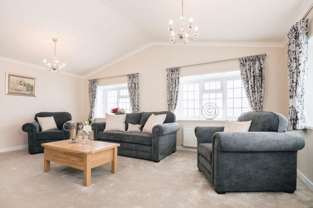 2 Bedrooms Detached Bungalow for sale in Sandy Bay, Thorney Bay Road, Canvey Island, SS8