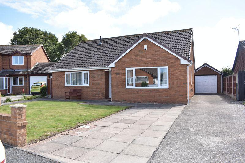 3 Bedrooms Detached Bungalow for sale in Ffordd Craiglun, Kinmel Bay