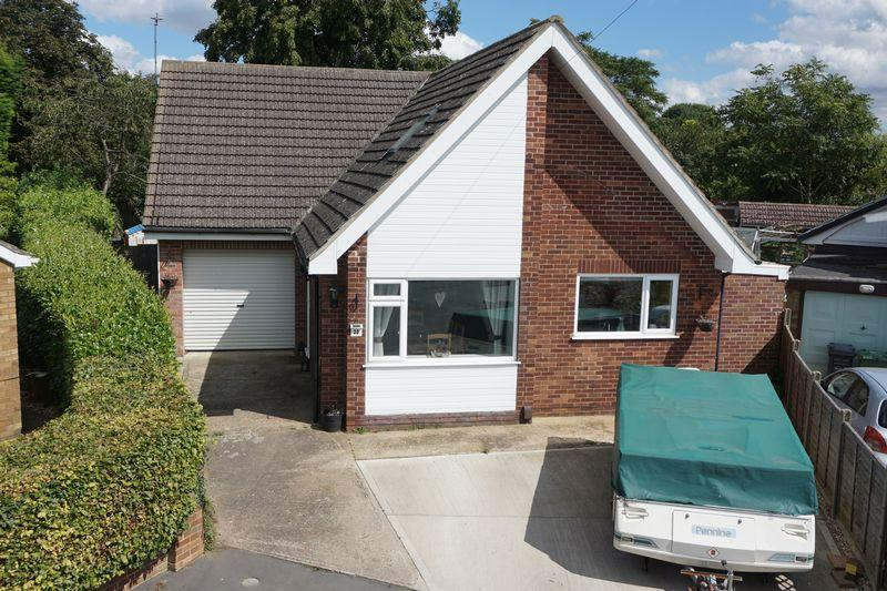 3 Bedrooms Detached Bungalow for sale in Holly Close, Cherry Willingham