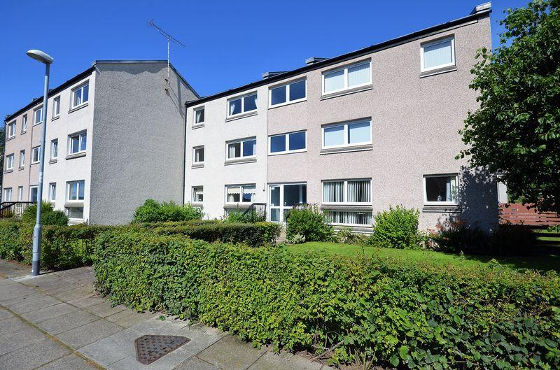 2 Bedrooms Flat for sale in 68 Strathayr Place, Ayr KA8 0AY