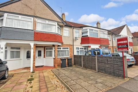 Hallford way west dartford 3 bed terraced house 340 000 for Whats a terrace house