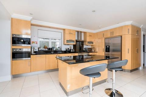 6 bedroom detached house to rent - Brookfield Place, Cobham